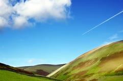 небо Шотландии гор славное вниз Стоковые Изображения