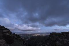 Небо шторма сумрака Лос-Анджелеса Калифорнии стоковое изображение rf