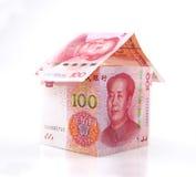 Небольшой дом образованный банкнотами Стоковые Фотографии RF
