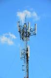 Небо agaist башни радиосвязи голубое Стоковое Изображение