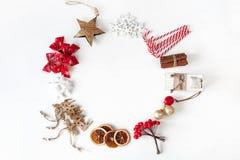 небо klaus santa заморозка рождества карточки мешка Венок игрушек и украшений рождества Стоковая Фотография RF