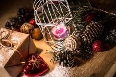 небо klaus santa заморозка рождества карточки мешка коробка праздничного подарка и праздничное расположение рождества Стоковое фото RF