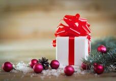небо klaus santa заморозка рождества карточки мешка коробка с подарком на предпосылке рождества Стоковое фото RF