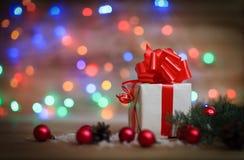 небо klaus santa заморозка рождества карточки мешка Подарочная коробка на предпосылке рождества Стоковое фото RF