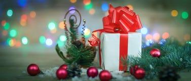небо klaus santa заморозка рождества карточки мешка Подарочная коробка на предпосылке рождества Стоковое Изображение