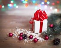 небо klaus santa заморозка рождества карточки мешка Подарочная коробка на предпосылке рождества Стоковые Изображения RF
