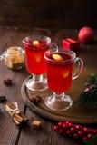 небо klaus santa заморозка рождества карточки мешка горячее пряное питье рождества клюквы и специи Стоковая Фотография