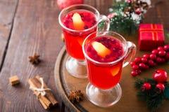 небо klaus santa заморозка рождества карточки мешка горячее пряное питье рождества клюквы и специи Стоковые Изображения RF