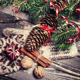 небо klaus santa заморозка рождества карточки мешка Ель с украшением на темной деревянной доске внутри Стоковое Изображение