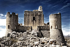 небо rocca замока calascio aquila стоковое изображение rf