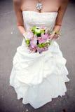 невеста букета вручает s Стоковое Изображение RF