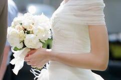 невеста букета цветет венчание удерживания Стоковые Фотографии RF
