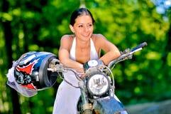 Невеста на мотоцикле Стоковое Изображение