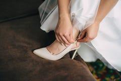 Невеста подготавливая на их праздники Стоковое фото RF