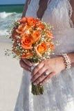 невеста приходит здесь Стоковые Фотографии RF
