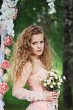 Невеста с букетом Стоковая Фотография RF