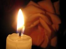 Нежная розовая и свеча Стоковая Фотография RF