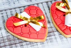 Нежное романтичное печенье с предсказанием валентинки Стоковая Фотография