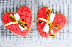 Нежные романтичные печенья с предсказанием валентинки Стоковая Фотография RF