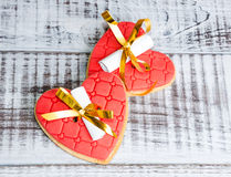 Нежные романтичные печенья с предсказанием валентинки Стоковые Изображения RF