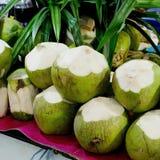 Нежный и свежий кокос в рынке Стоковые Фотографии RF