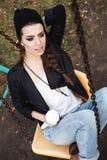 Нежный портрет красивой девушки на качании Стоковое Фото