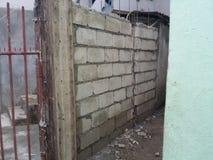 Незаконченная бетонная стена стоковое изображение