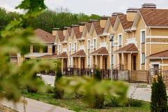 Незаконченный европейский дом кирпича, все еще под конструкцией Стоковое Изображение