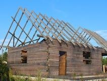 Незаконченный деревянный дом стоковая фотография