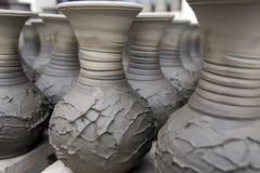 Незаконченный handmade бак сделанный из глины стоковое фото