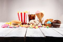 Нездоровые продукты неудача еды для диаграммы, кожи, сердца и зубов Стоковые Фото