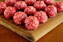 Незрелые шарики мяса от говядины Стоковые Фотографии RF