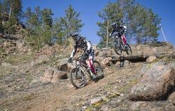 Неизвестный гонщик на конкуренции для ' Чашка Бурятии на горе Bike' Стоковая Фотография RF