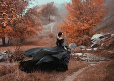 Неимоверная сногсшибательная женщина Стоковое фото RF