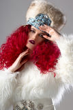 Неимоверно красивое изображение моды девушки с красными волосами Стоковые Изображения RF