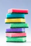 Неиспользованные красочные губки для моя блюд Стоковое Изображение