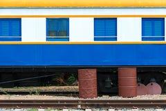 Неиспользованный тайский красочный стоп поезда на станции Стоковые Изображения