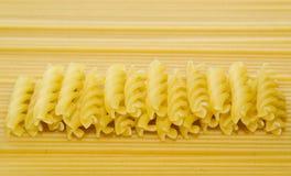 Некоторые макаронные изделия и спагетти Стоковая Фотография
