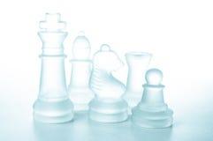 Некоторые стеклянные части шахмат стоковые фото