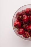 Некоторые cherrys в стекле Стоковое фото RF