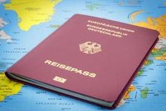Немецкая карта пасспорта и мира Стоковая Фотография