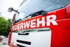 Немецкая пожарная машина стоит на месте раскрытия Стоковое Фото