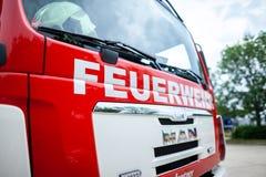 Немецкая пожарная машина стоит на платформе на день открытых дверей Стоковые Изображения RF