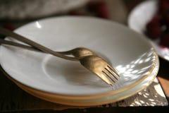 Немецкие серебряные вилки десерта на плите Стоковое фото RF