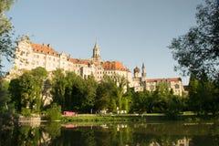 Немецкий замок в городке Стоковое фото RF