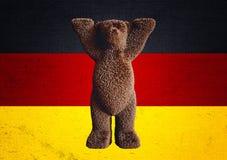 Немецкий медведь приятеля флага Стоковое Фото