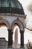 Немецкий фонтан и египетский обелиск, Стамбул стоковые фотографии rf
