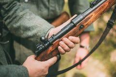 Немецкое воинское украшение на форме a Стоковая Фотография