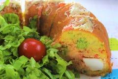 Немецкое gugelhupf еды, интересный хлеб мозоли еды и еды потехи, заполненные с сыром фета, брокколи стоковые изображения rf
