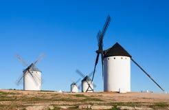 Немногие ветрянки в поле Стоковые Фотографии RF
